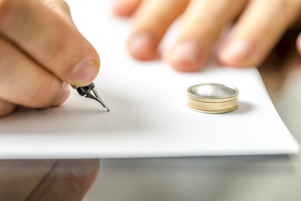 hire a divorce lawyer in NJ when you need help